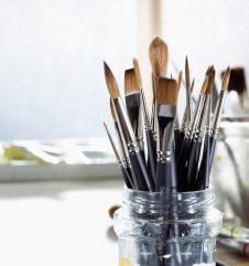 El artista Dale Adcock habla de los pinceles profesionales de marta sintética para acuarela Winsor & Newton