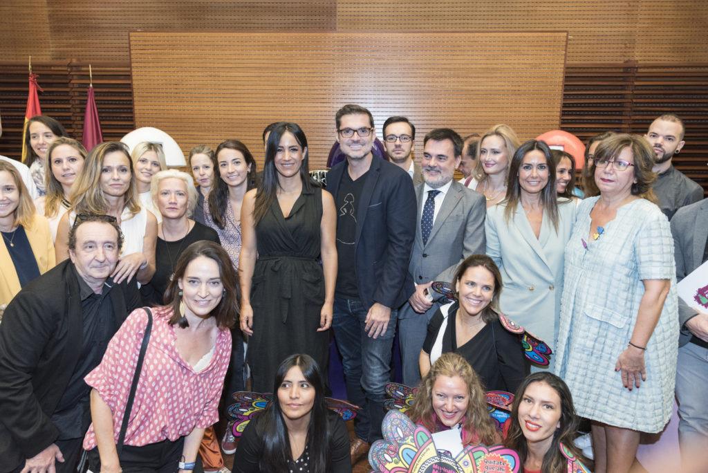 Patrocinadores junto a Antonio Azzato y Begoña Villacís, vicealdaldesa de Madrid